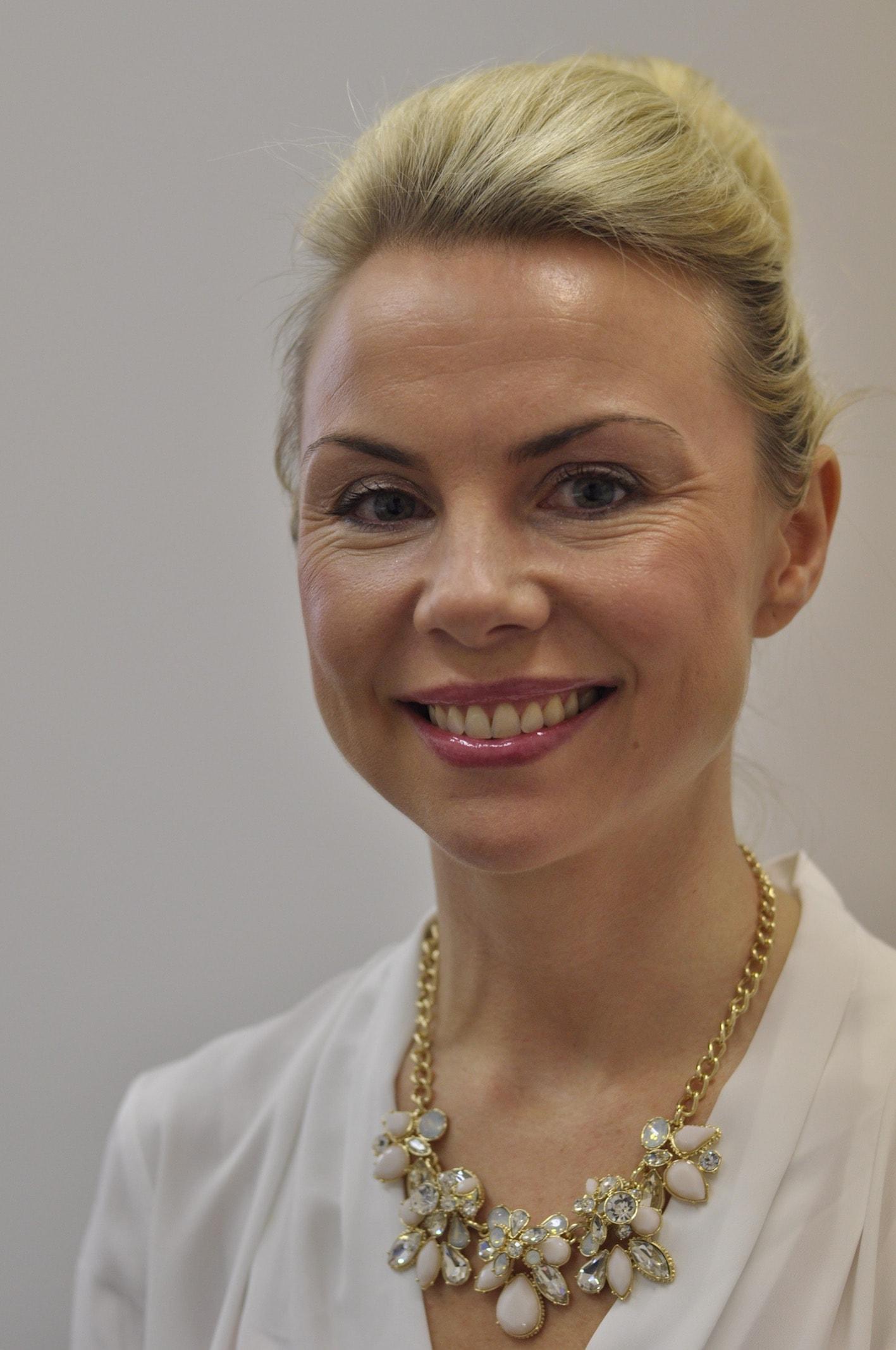 Mrs Lisa Brendling